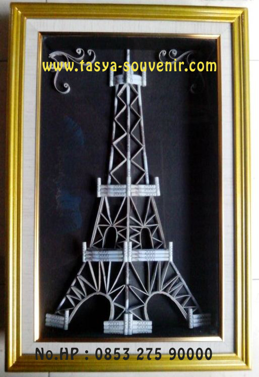Kreasi Jasa Hias Mahar Pernikahan Unik Bentuk Menara Eiffel Dari Uang Kertas